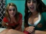 Two sisters flashin on cams