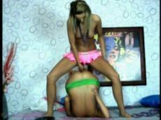 Two russian lesbians fuck on Runetki