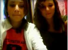 Two Omegle girls flash, stickam
