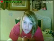 Blonde babe flasing on Stickam