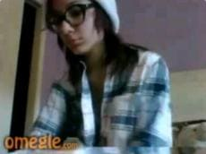 Amateur girl playing Omegle game
