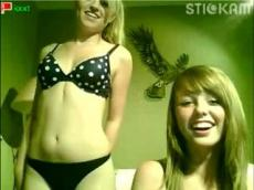 Hot Stickam girls flashing