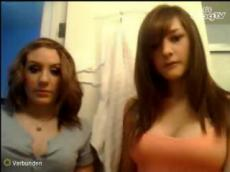 Two beautiful teens on BlogTV
