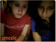 Omegle 2 girls flashing